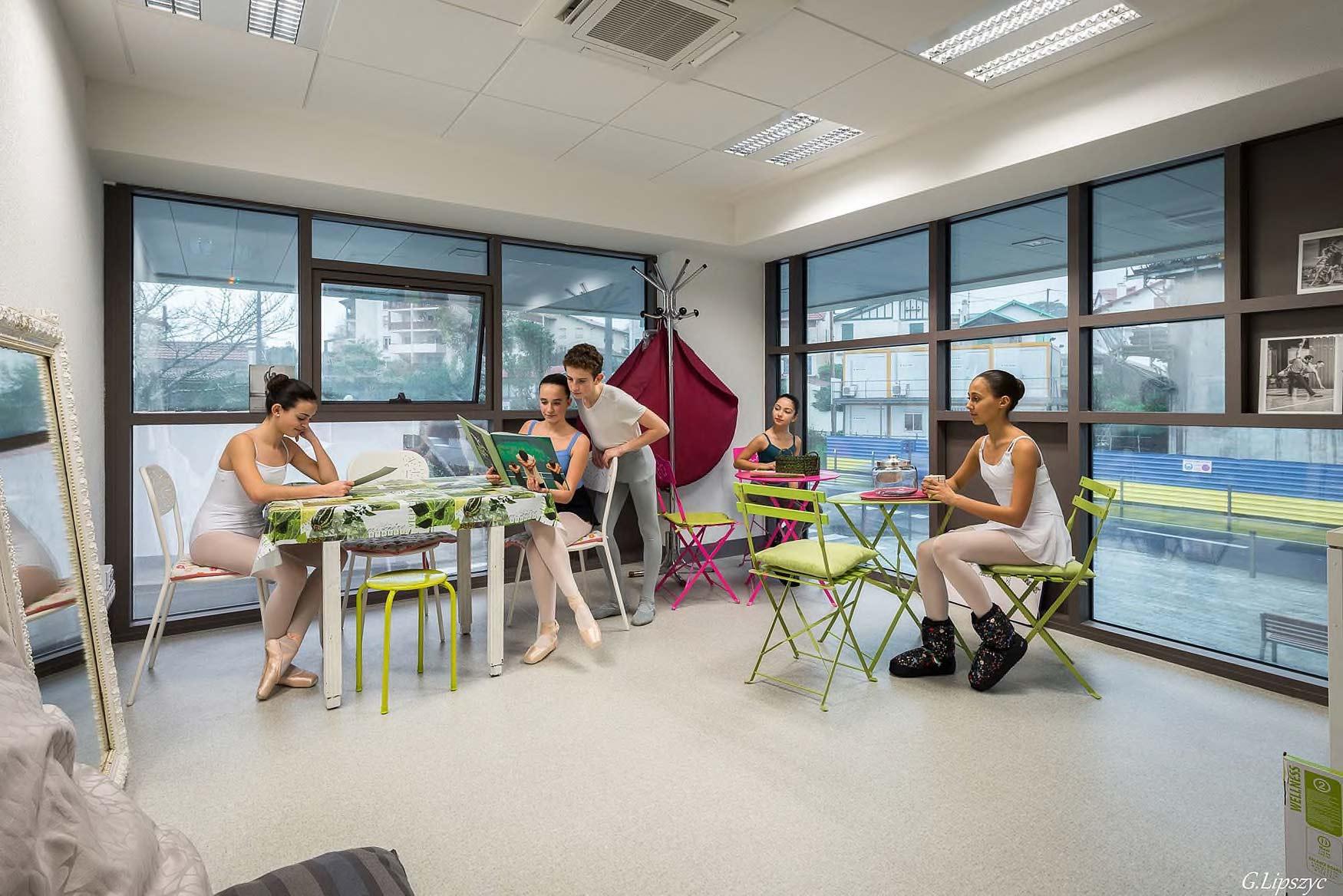 Foyer de l'école de Ballet - Studios Biarritz