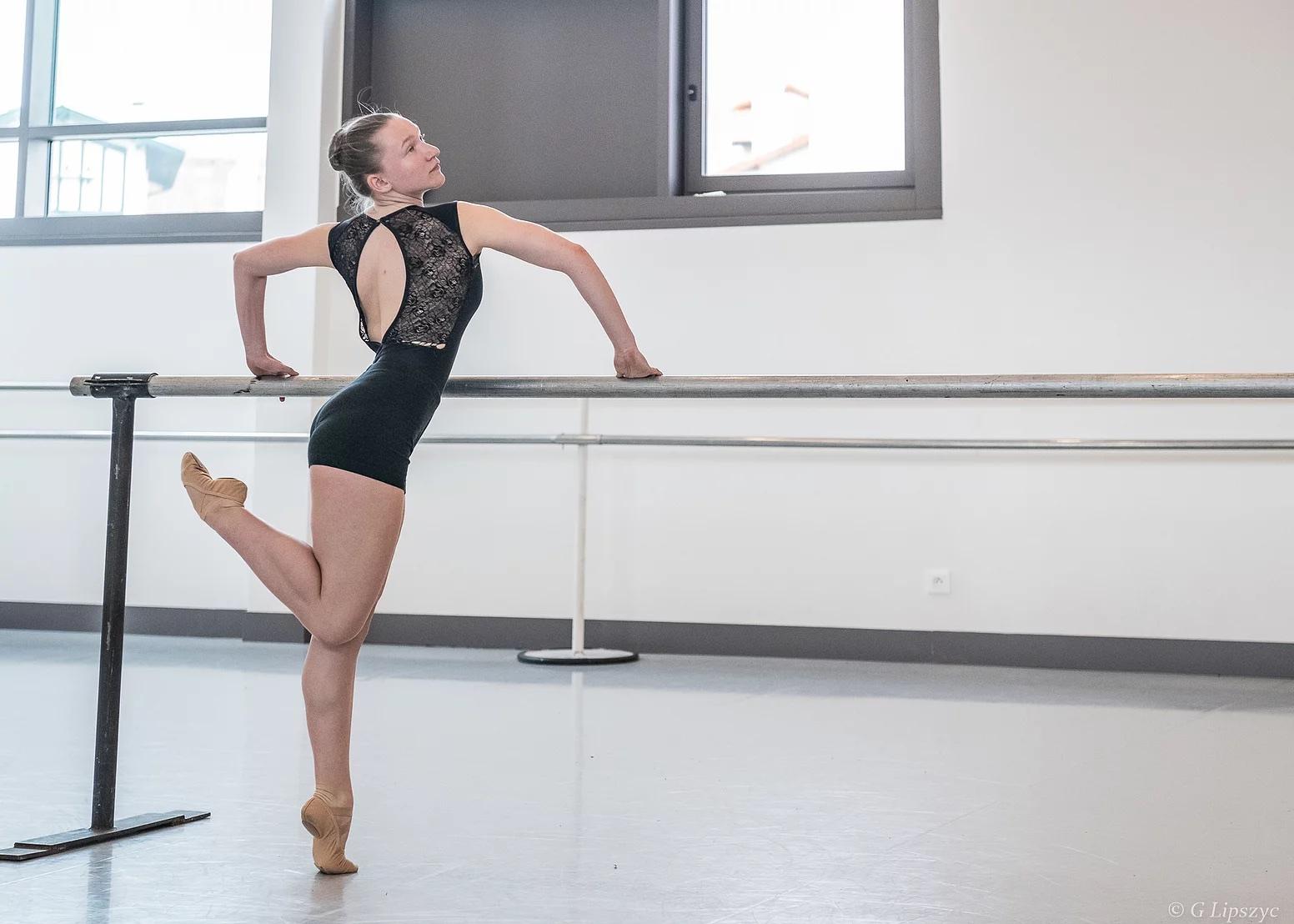 Lisa a été retenue sur audition au Jeune Ballet Atlantique de la Rochelle.