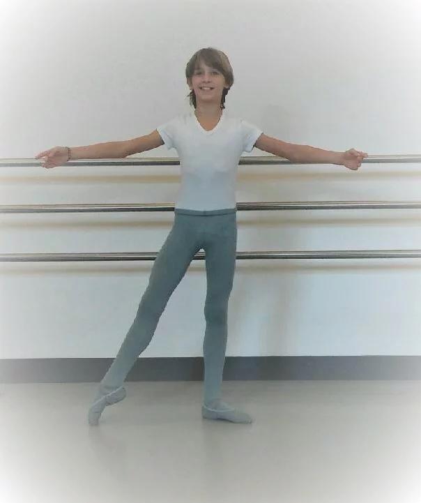 Julie a été reçue à l'école nationale supérieure de Marseille.