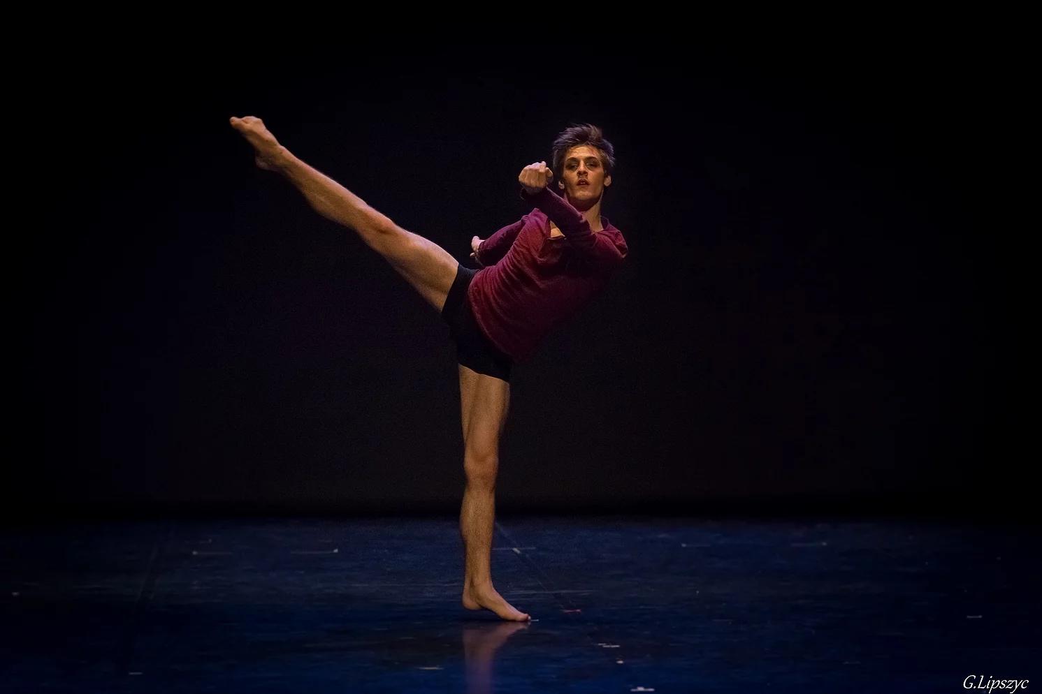Pascal entre au jeune ballet de Genève.