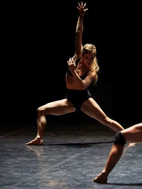 Margaux danse toujours avec la compagnie du Ballet Preljocaj depuis 2010.
