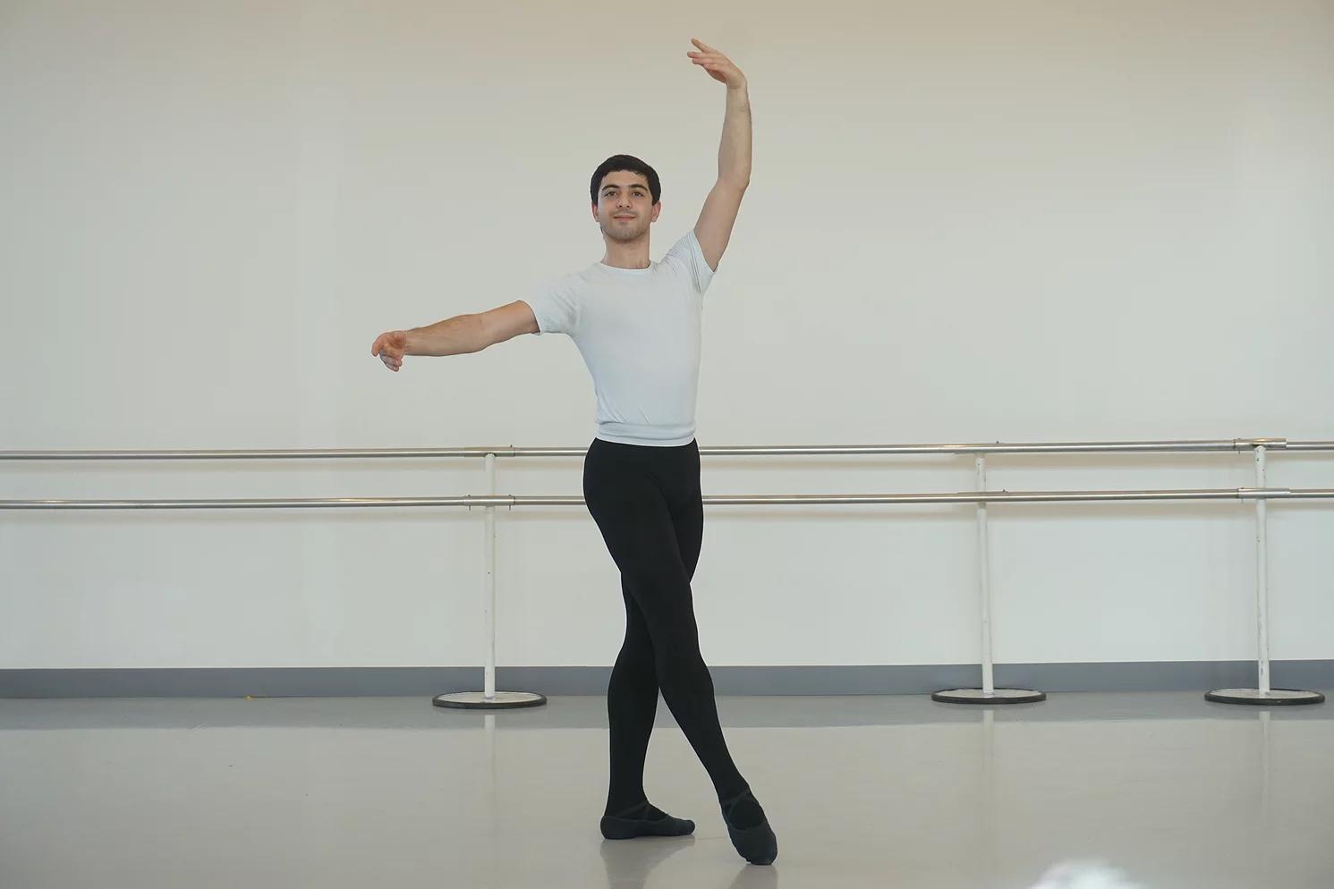 Gevorg continue ses études chez Carole Massoutié à Toulouse.