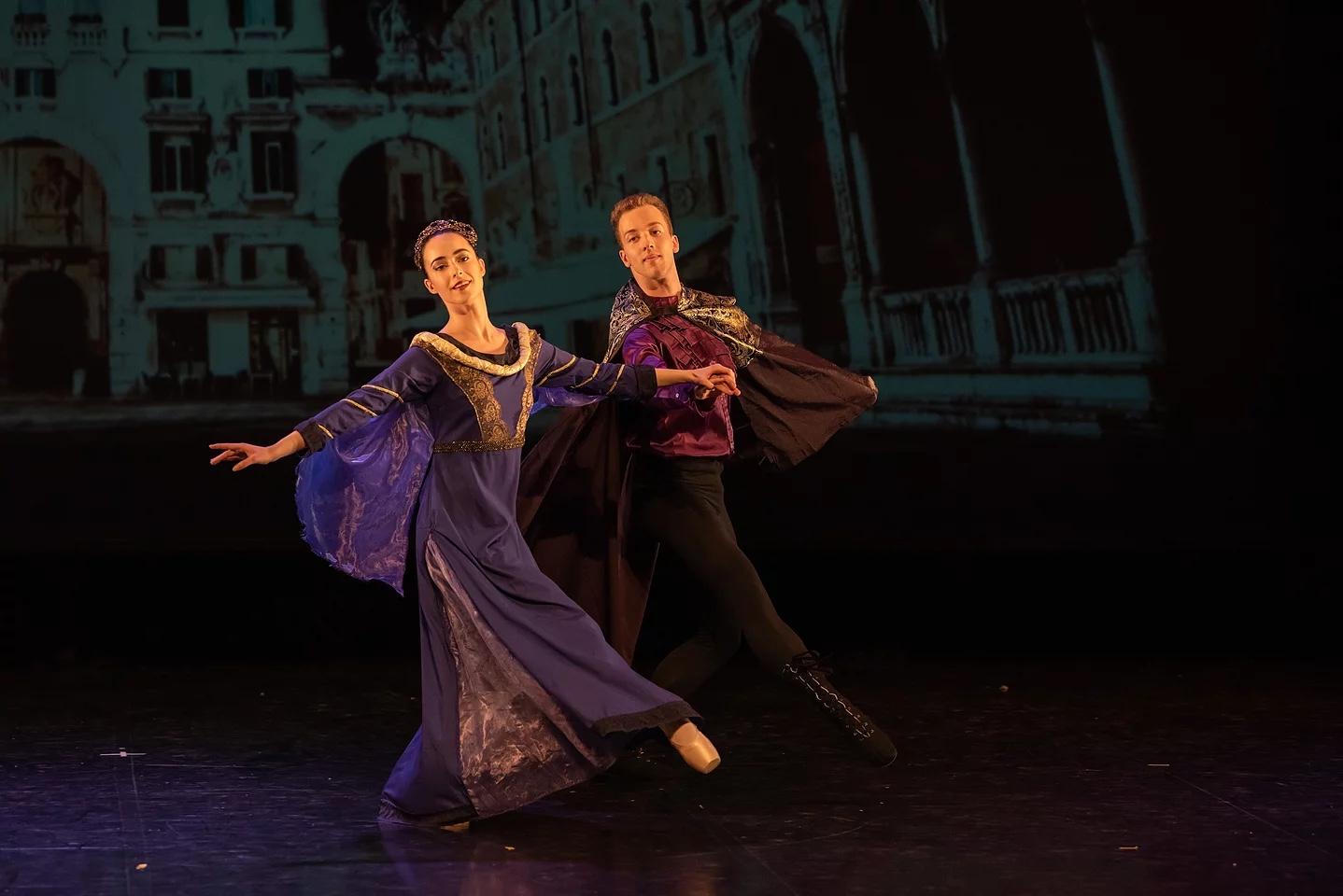 Alice a fait sa rentrée à l'université de la Sorbonne à Paris . Thomas commence son année 2019/2020 à Codarts, université de la danse à Rotterdam.