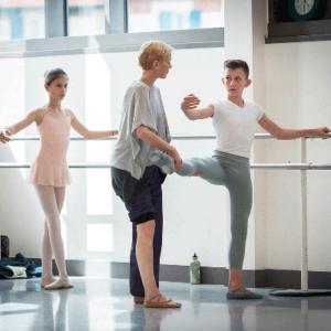 Classe étude 11-15 ans de l'école de Ballet - Studios Biarritz